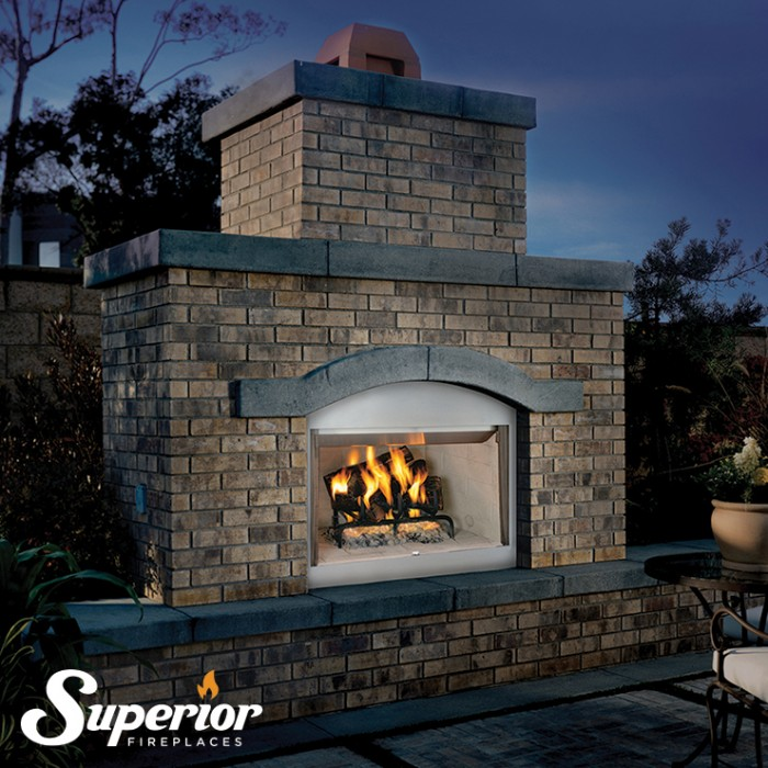 "Superior 42"" Outdoor Wood-Burning Fireplace White Herringbone Refractory Panels - WRE3042WH"